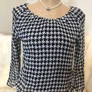 Talbots 100% silk houndstooth blouse